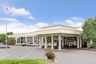 Pet Friendly Baymont Inn & Suites in Murfreesboro, Tennessee