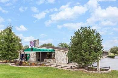 Pet Friendly Knights Inn Racine in Range, Wisconsin