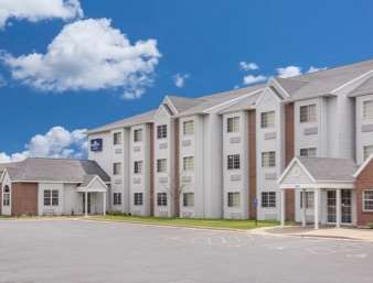 Pet Friendly Microtel Inn And Suites Appleton in Appleton, Wisconsin