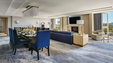 Pet Friendly Raffles L'ermitage Beverly Hills in Beverly Hills, California