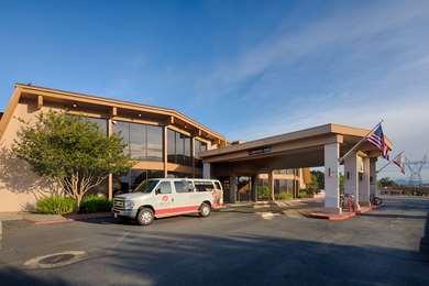 Pet Friendly Red Lion Hotel Redding in Redding, California