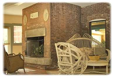 Pet Friendly The Common Man Inn & Spa in Plymouth, New Hampshire