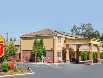 Pet Friendly Western Traveler Motel in Ukiah, California