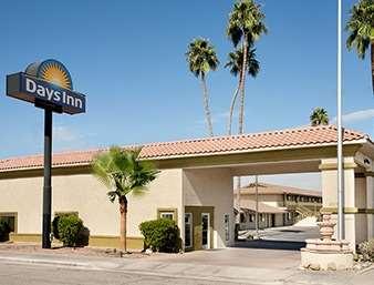 Pet Friendly Days Inn Blythe Ca in Blythe, California
