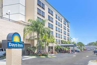 Pet Friendly Days Inn Ft. Lauderdale Airport South in Hollywood, Florida