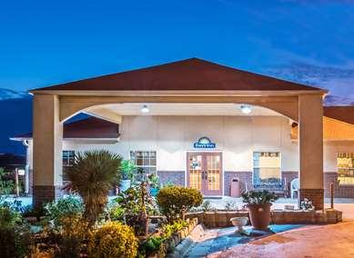 Pet Friendly Days Inn Gainesville in Gainesville, Georgia