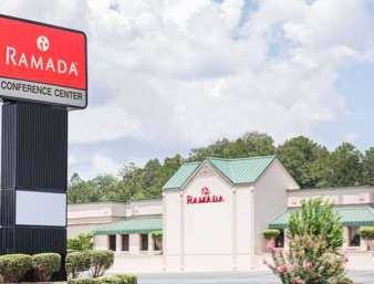 Pet Friendly Ramada Inn & Conference Center in Warner Robins, Georgia