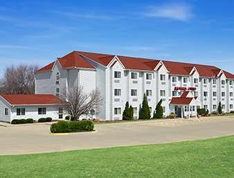 Pet Friendly Ramada Limited And Suites Bloomington in Bloomington, Illinois
