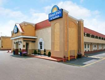 Pet Friendly Days Inn And Suites Terre Haute in Terre Haute, Indiana