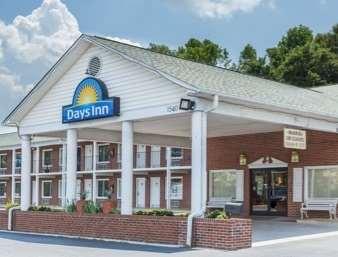 Pet Friendly Days Inn Jonesville in Jonesville, North Carolina