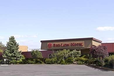 Pet Friendly Red Lion Hotel Pendleton in Pendleton, Oregon