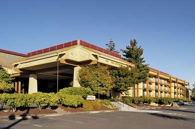 Pet Friendly Red Lion Hotel On The River Jantzen Beach in Portland, Oregon