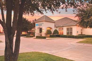 Pet Friendly Summerfield Suites Dallas-Richardson in Richardson, Texas