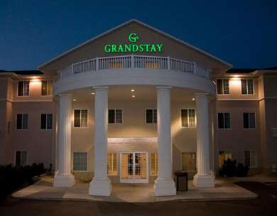 Pet Friendly Grandstay Residential Suites in Madison, Wisconsin