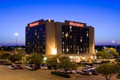 Pet Friendly Sheraton West Des Moines Hotel in West Des Moines, Iowa