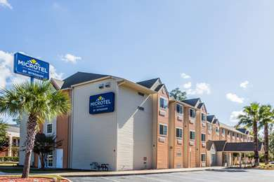 Pet Friendly Microtel Inn And Suites Tallahassee in Tallahassee, Florida