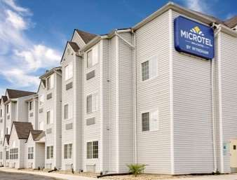 Pet Friendly Microtel Inn And Suites Thomasville/High Point in Thomasville, North Carolina