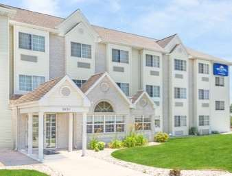 Pet Friendly Microtel Inn And Suites Green Bay in Green Bay, Wisconsin