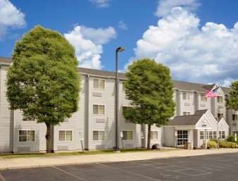 Pet Friendly Microtel Inn And Suites Madison in Madison, Wisconsin