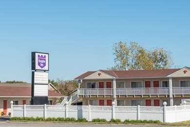 Pet Friendly Knights Inn Ottawa in Ottawa, Kansas