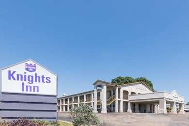 Pet Friendly Knights Inn - Belton/Temple in Belton, Texas