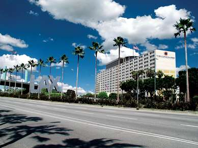 Pet Friendly Radisson Hotel At Los Angeles Airport in Los Angeles, California