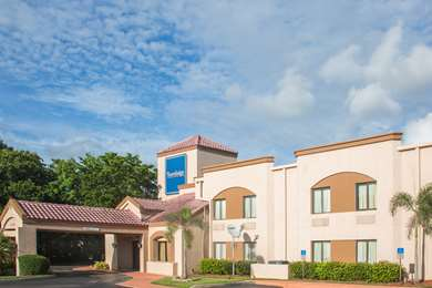 Pet Friendly Travelodge Fort Myers Airport in Fort Myers, Florida