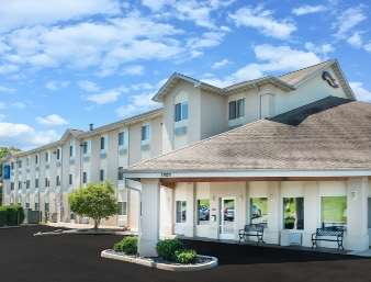 Pet Friendly Baymont Inn and Suites Rolla in Rolla, Missouri