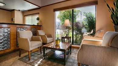 Pet Friendly Best Western Santee Lodge in Santee, California