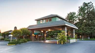 Pet Friendly Best Western Plus Forest Park Inn in Gilroy, California