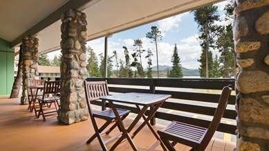 Pet Friendly Best Western Ptarmigan Lodge in Dillon, Colorado