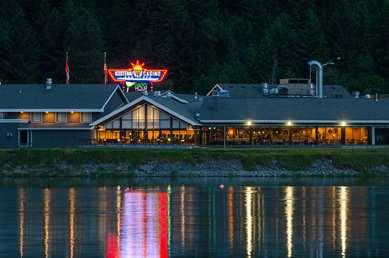 Pet Friendly Best Western Plus Kootenai River Inn Casino & Spa in Bonners Ferry, Idaho