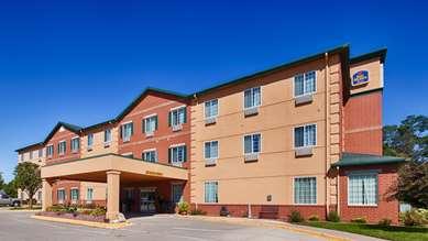 Pet Friendly Best Western Plus Des Moines West Inn & Suites in Clive, Iowa