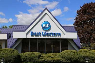 Pet Friendly Best Western At Historic Concord in Concord, Massachusetts
