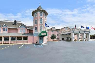 Pet Friendly Best Western Greenfield Inn in Allen Park, Michigan