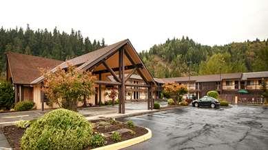 Pet Friendly Best Western Oakridge Inn in Oakridge, Oregon