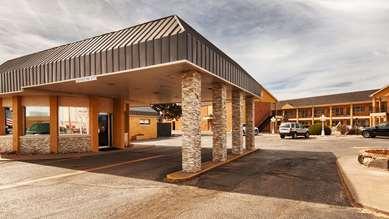 Pet Friendly Best Western Red Carpet Inn in Hereford, Texas