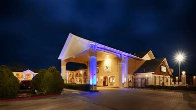 Pet Friendly Best Western Inn Of Navasota in Navasota, Texas