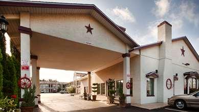 Pet Friendly Best Western Johnson City Inn in Johnson City, Texas