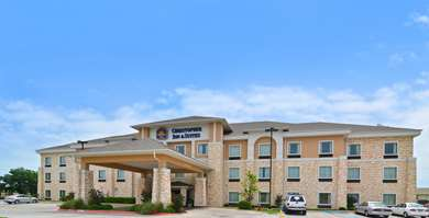 Pet Friendly Best Western Plus Christopher Inn & Suites in Forney, Texas