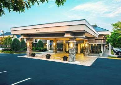 Pet Friendly Best Western Dulles Airport Inn in Sterling, Virginia