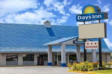 Pet Friendly Days Inn Seymour IN in Seymour, Indiana