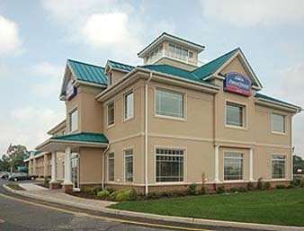 Pet Friendly Howard Johnson Toms River in Toms River, New Jersey