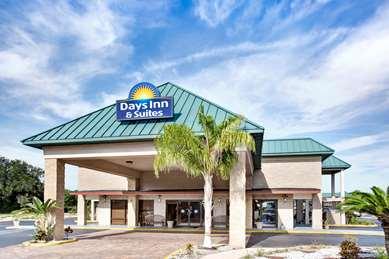Pet Friendly Days Inn & Suites Davenport in Davenport, Florida
