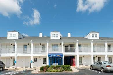 Pet Friendly Baymont Inn & Suites Greenville in Greenville, North Carolina