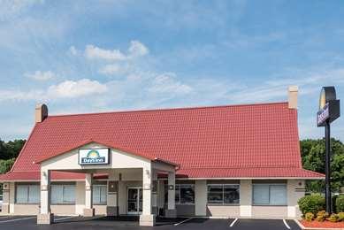 Pet Friendly Days Inn Lumberton/Outlet Mall in Lumberton, North Carolina