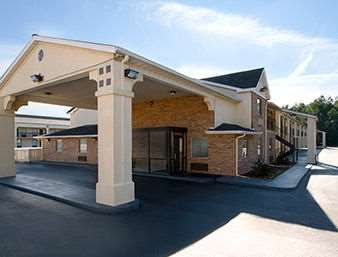 Pet Friendly Super 8 Florence in Florence, South Carolina