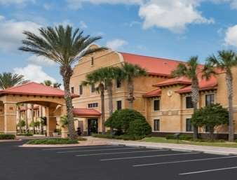 Pet Friendly Destination Daytona Inn & Suites in Ormond Beach, Florida