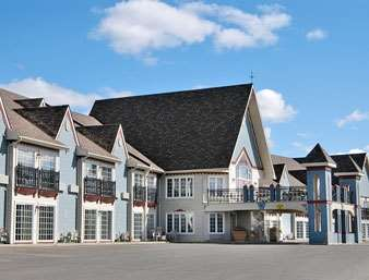 Pet Friendly Days Inn Edmundston in Sain-Basile, New Brunswick