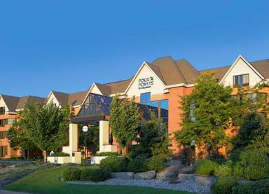 Pet Friendly Four Points by Sheraton St. Catharines Niagara Suites in Thorold, Ontario
